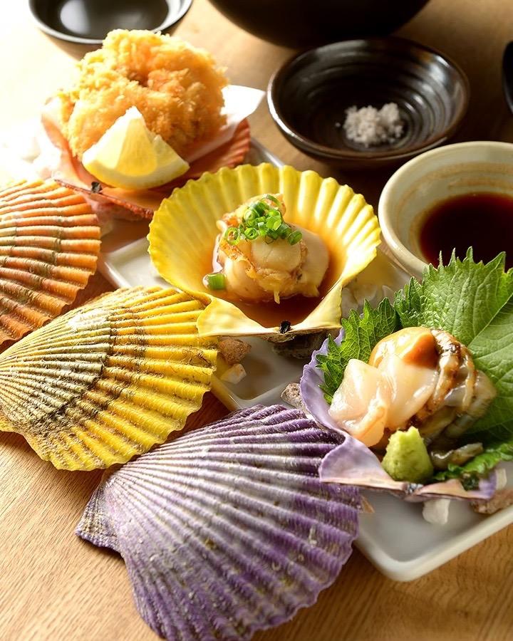 食事券をギフトに!愛知「貝が主役の人気酒場と三重の幸が味わう老舗居酒屋」
