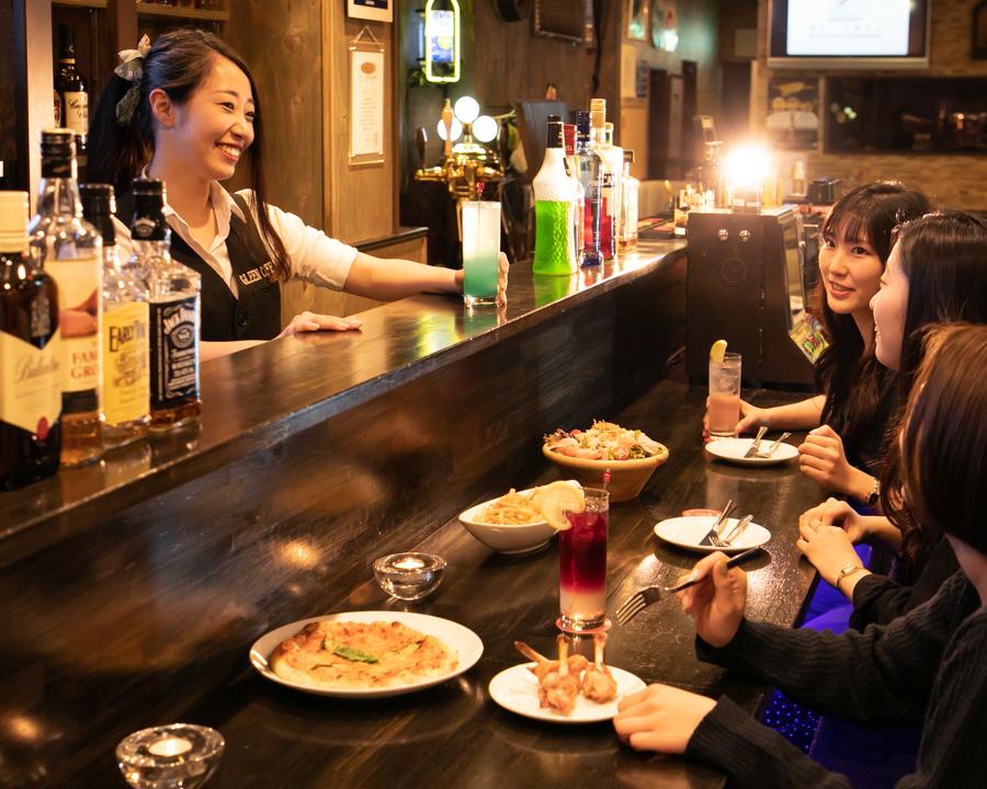 記念日のお祝いに食事券をプレゼント!埼玉「お酒+αで深夜まで楽しめるBAR」