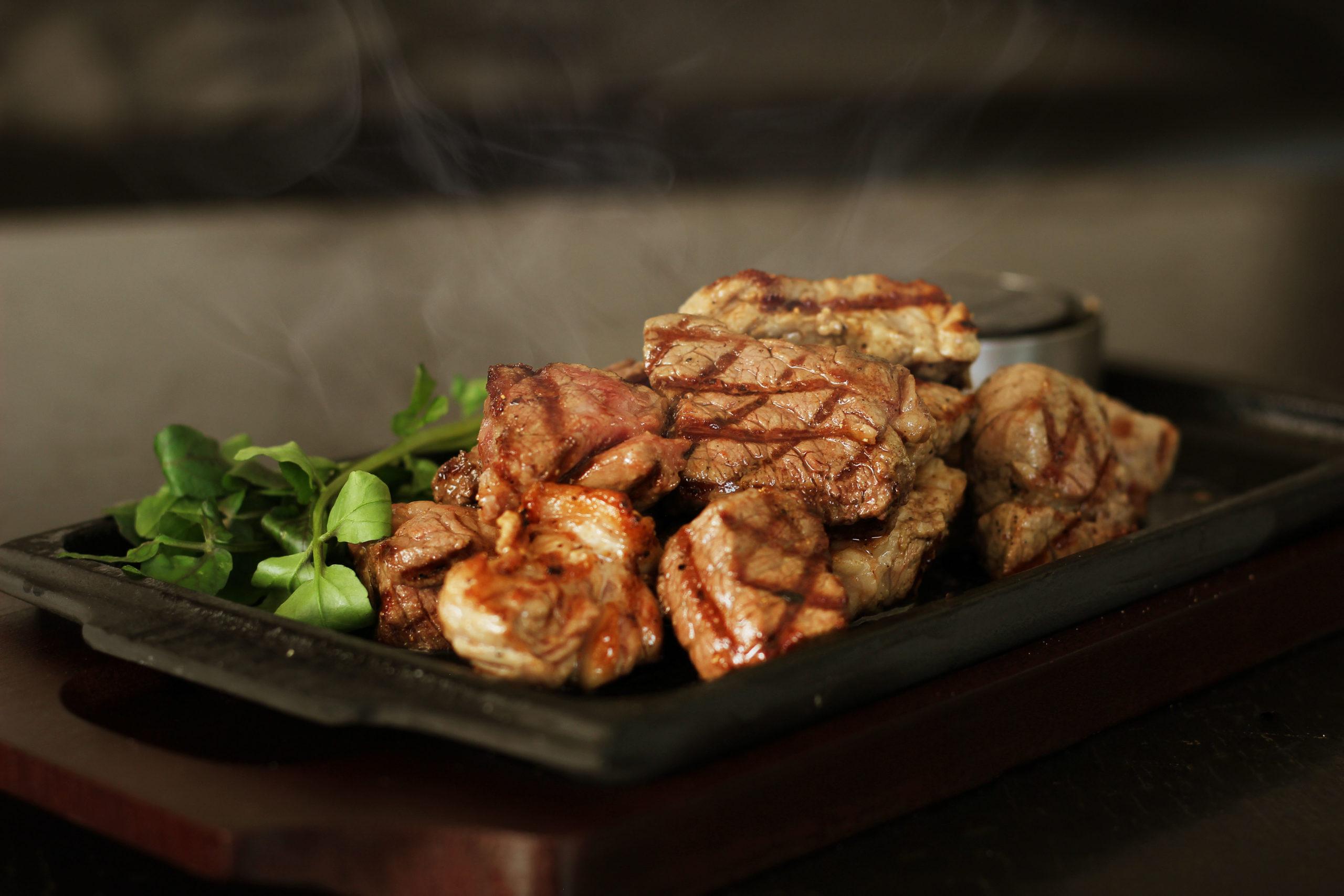 「ごちめし」の食事券はギフトに最適。ガッツリ食べたい!ステーキ&ケバブの人気店・神奈川編