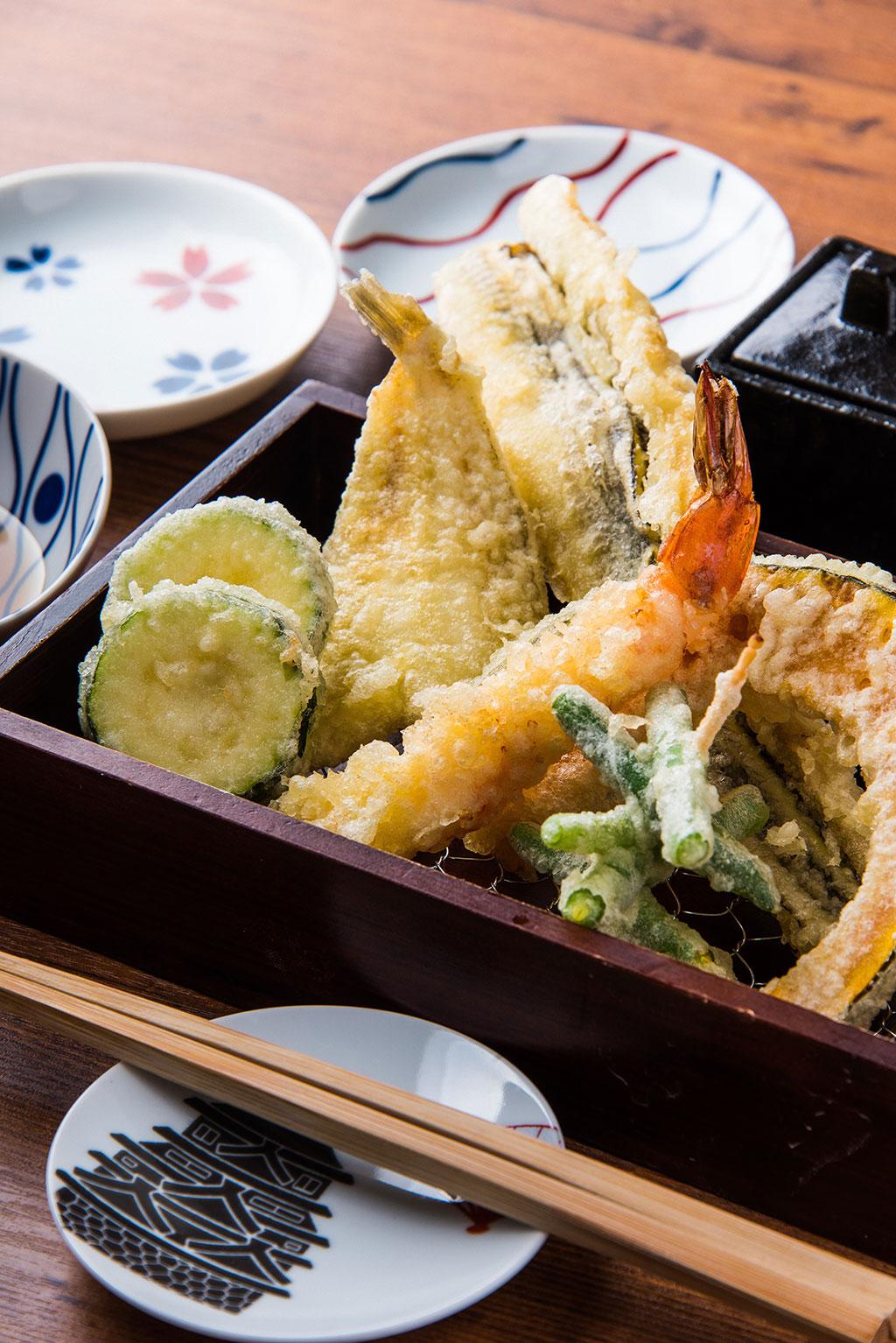 お祝いギフトに食事券をプレゼント。名古屋で極上の天ぷらを味わう!