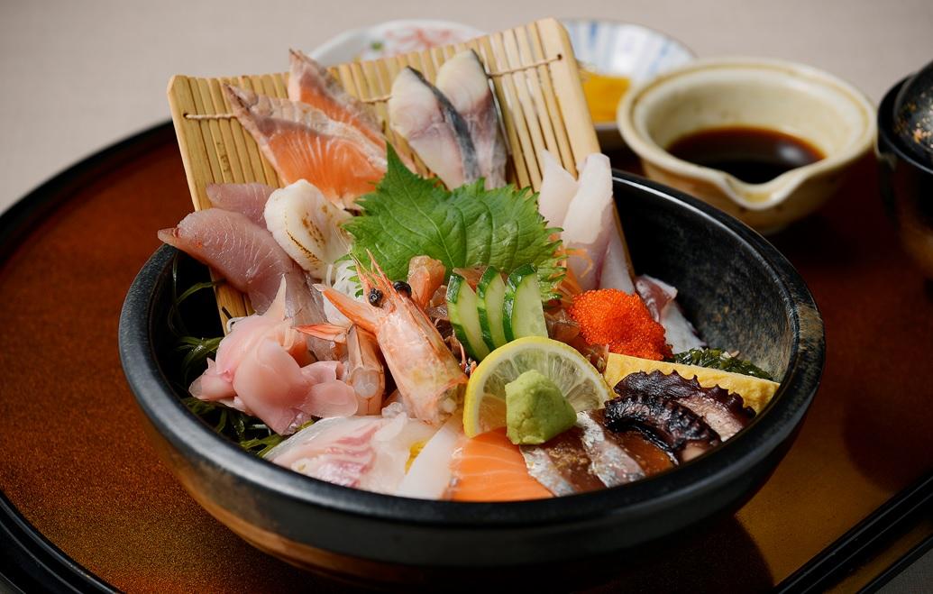 【父の日のプレゼントに最適】長崎・島原で豪華な海鮮丼を堪能しよう